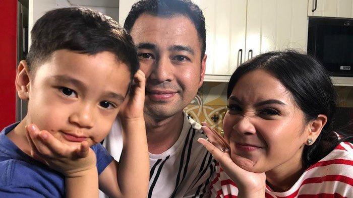 Photo of Raffi dan Nagita Terkejut Saat Melihat Rumah Panggung Lala di Kampung